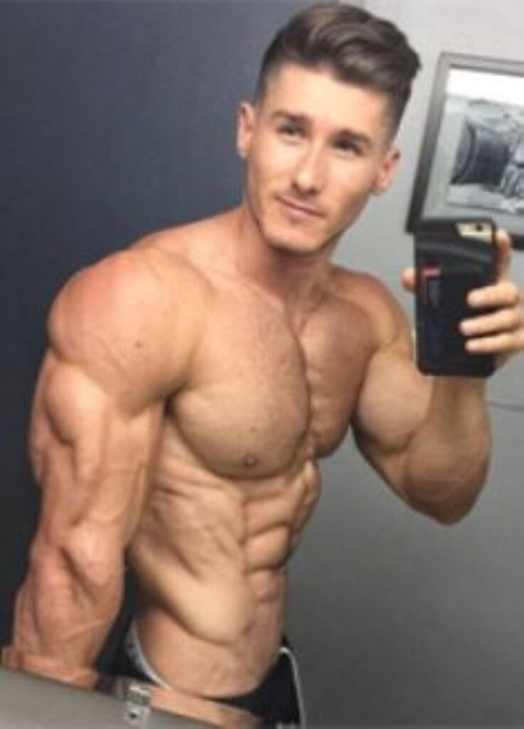 mans torso showing muscle diet results