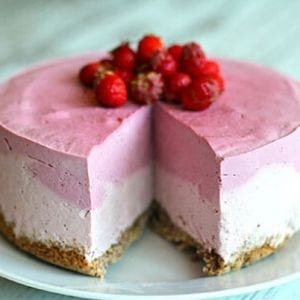 Strawberry-Lime Cheese Cake