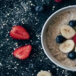 SCOTTISH OATS WITH ALMOND & BERRY