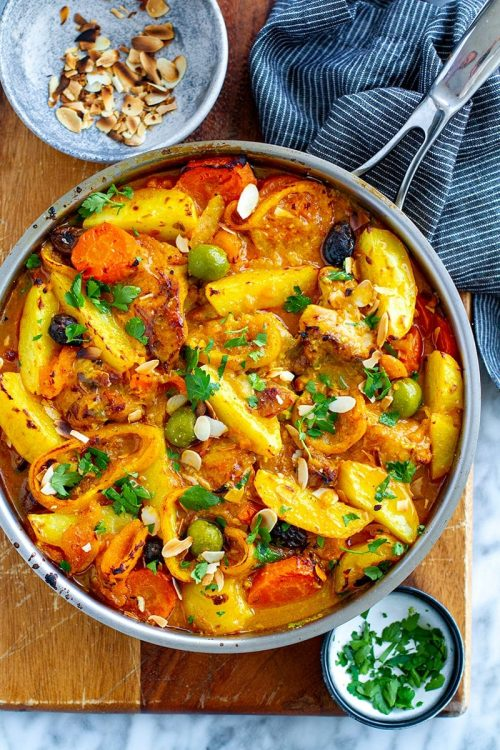 Moroccan chicken with lemon, olives & potatoes